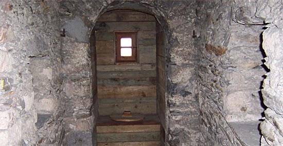 Tenebrosa história do Banheiro - Capa