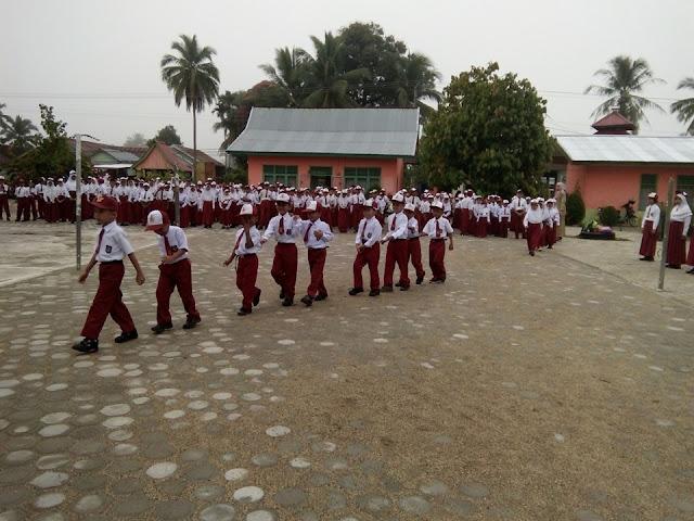 Program Pembiasaan Diri Di Sekolah SD Negeri 149/VIII Muara Tebo