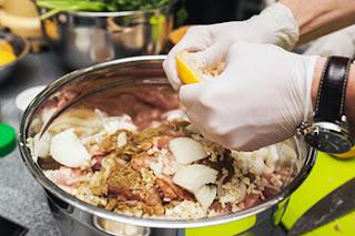 Вариации на тему шашлыка: идеи, рецепты, советы, Особенности рыбных шашлыков, Анчоус-стейк на решетке, Кебаб из мелкой рыбы, Курино-баклажанные шашлычки в духовке, Ломтики почек и сердца на шампуре, Московское кольцо, Оригинальный шашлык из бараньих рёбрышек, Осьминоги, запеченные на вертеле, Печень сайгака по охотничьи, Простой шашлык из рыбы, Пряный шашлык из рыбы, Рыба на костре, Шашлык во фритюре, Шашлык из лосося, Шашлык из морепродуктов, Шашлык на сковороде, Шашлык-ассорти из рыбы,