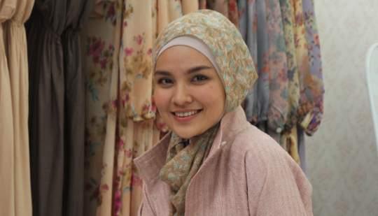 Kisah Inspiratif Muslimah Berjilbab, Ria Miranda Sukses Dengan Bisnisnya