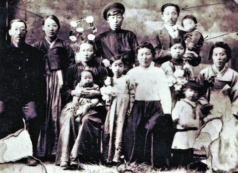 Семьи Цоев и Югай во Владивостоке, 1915 г.