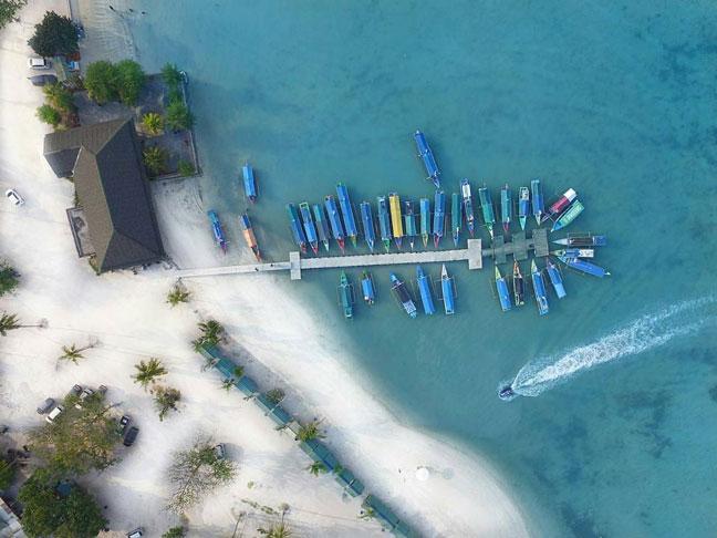 Dermaga dan Pondokan di Pantai Sari Ringgung