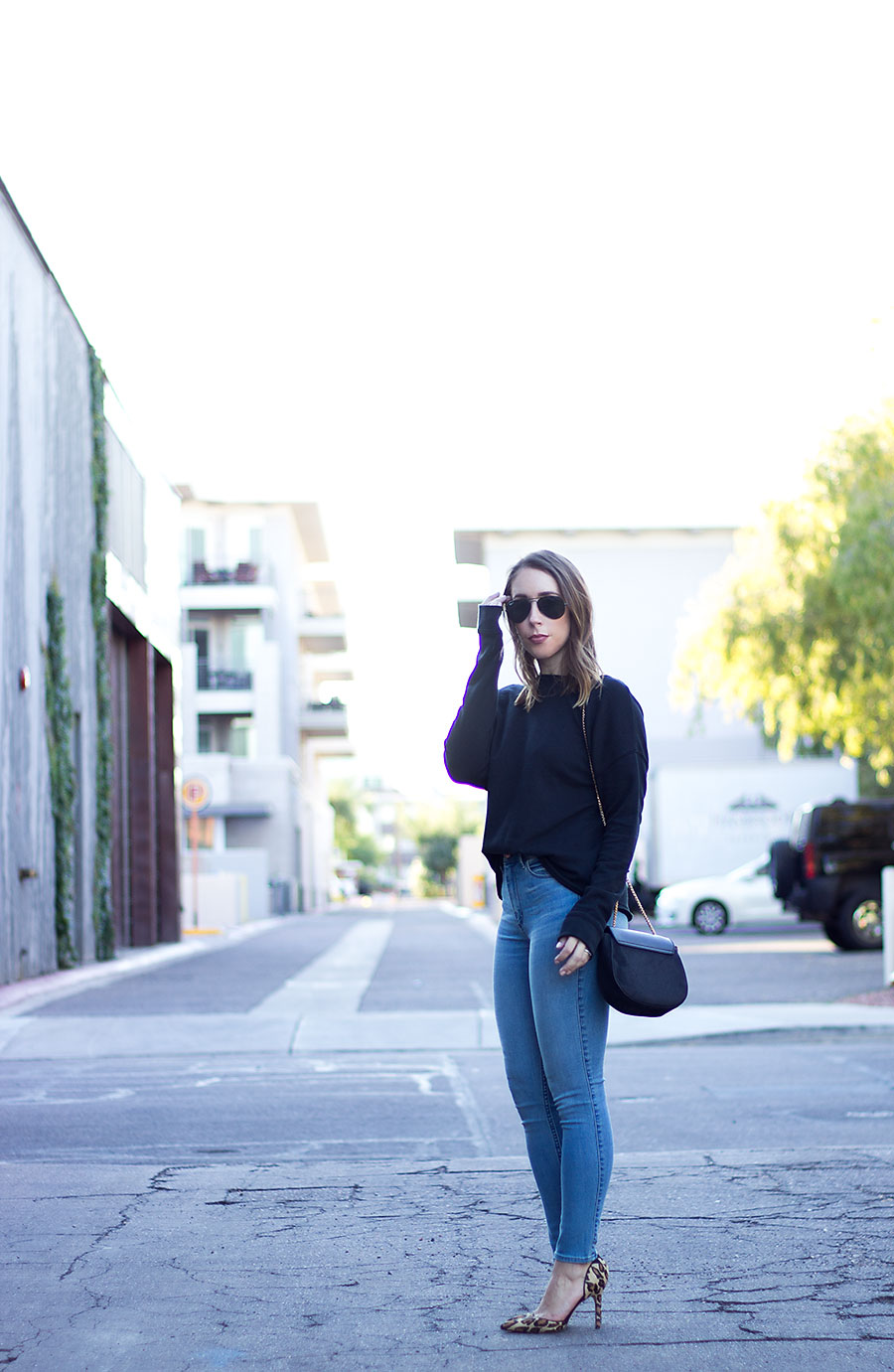 High rise jeans, affordable denim, affordable high rise jeans, affordable jeans for women, high rise jeans for women, leopard heels, leopard pumps, Sam Edelman leopard pumps, Abercrombie & Fitch denim, Abercrombie & Fitch jeans, black sweatshirt, casual fall fashion, women's fall fashion, how to style a sweatshirt, high rise jeans outfit, how to wear high rise jeans, how to style high rise jeans, what to wear with leopard heels, how to style leopard heels