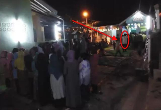 Ada Suara Adzan Tengah Malam Buta... Warga Ramai-ramai Datang Ke Masjid, Ternyata Yang Adzan... Mengejutkan!!