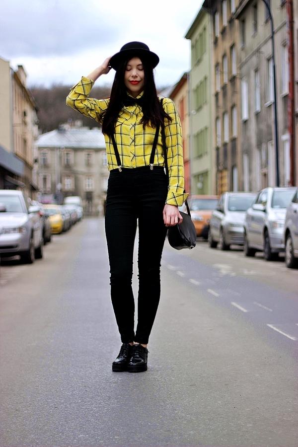 mucha i szelki stylizacja damska Kraków melonik moda z Krakowa Podgórze zdjęcia blogerka modowa
