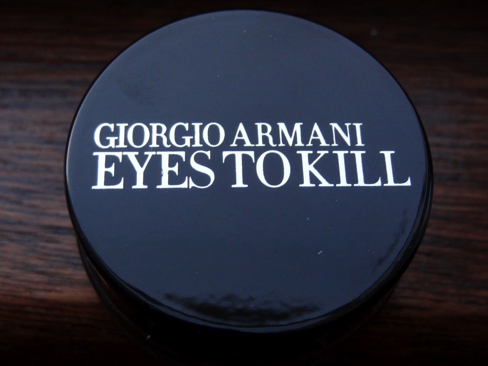 nik 39 s makeup musings giorgio armani eyes to kill silk. Black Bedroom Furniture Sets. Home Design Ideas