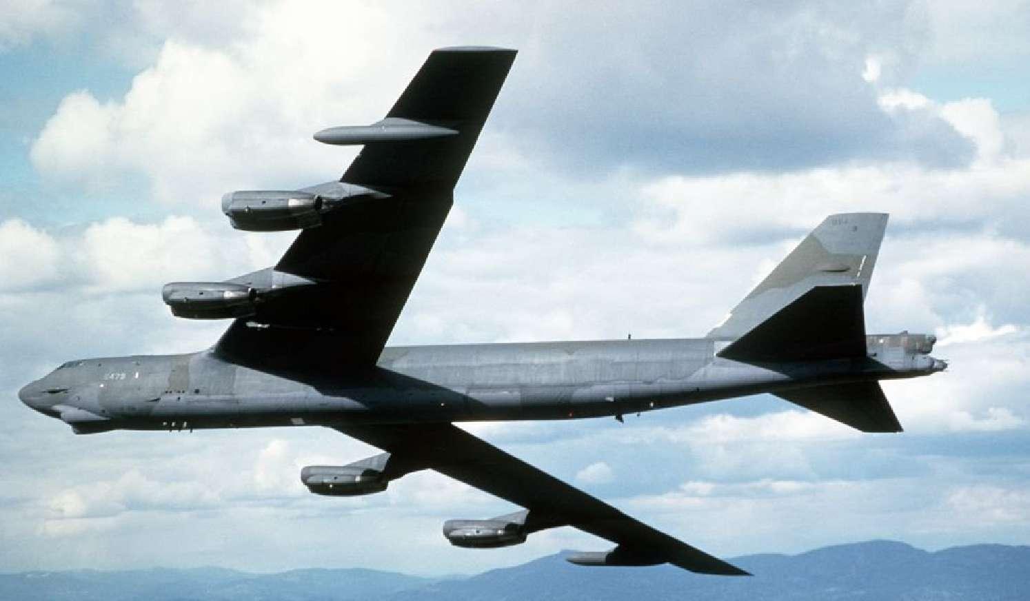 Dua pesawat pembom AS terbang di atas wilayah perairan yang disengketakan di Laut Cina Timur