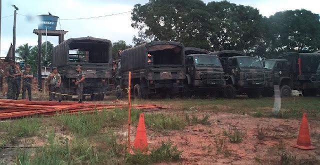 Exército realiza obra para liberar o tráfego na rodovia BR-163 no Pará
