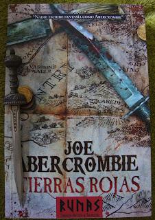 Portada del libro Tierras rojas, de Joe Abercrombie