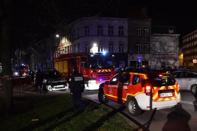 Pelo menos três pessoas, incluindo um adolescente, ter sido ferido após ser baleado perto de uma estação de metro no norte da França
