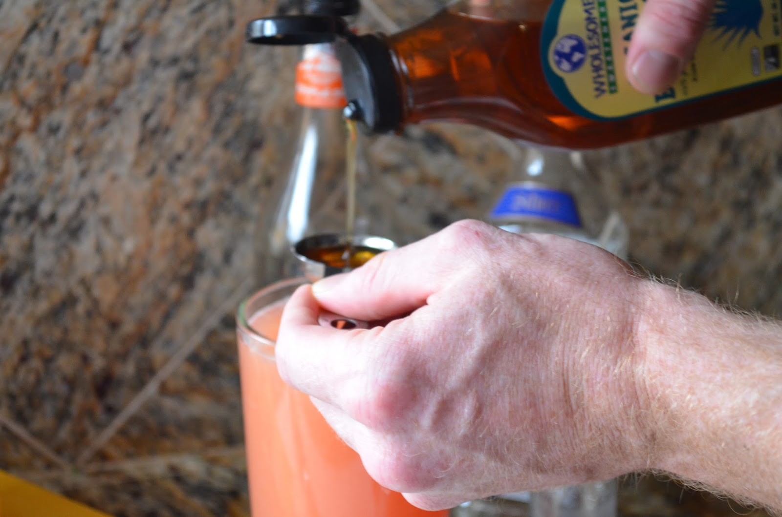 Pink-Grapefruit-Lime-Margaritas-With-Agave-Nectar.jpg