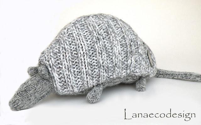 handmade-fatto-a-mano-ecosostenibile-eco-friendly-cucito-creativo-hand-sewed-design-minimal-toy