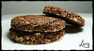 http://cucinaconlara.blogspot.it/2017/07/biscotti-integrali-cacao-nocciole-e.html