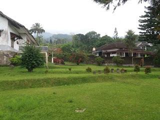 lapangan, villa-durian-puncak, villa-puncak, villa-makrab, villa-ldks, villa-murah-di-puncak