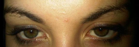 Eye Brows before HD Brows