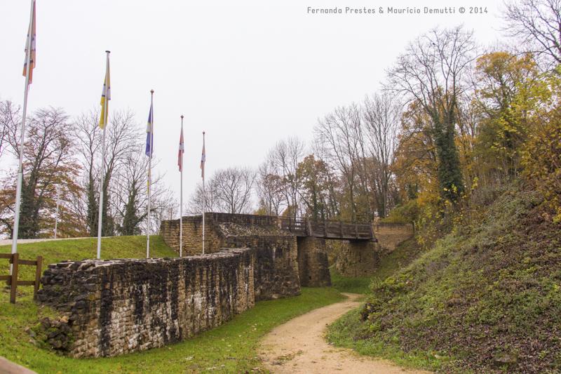 caminho e ponte no castelo de malbrouck