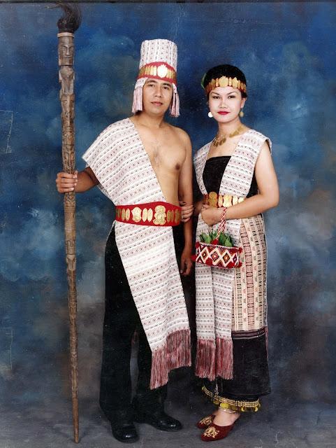 Pakaian Adat Batak Toba