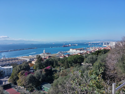 Widok ze skały Gibraltarskiej na morze śródziemne