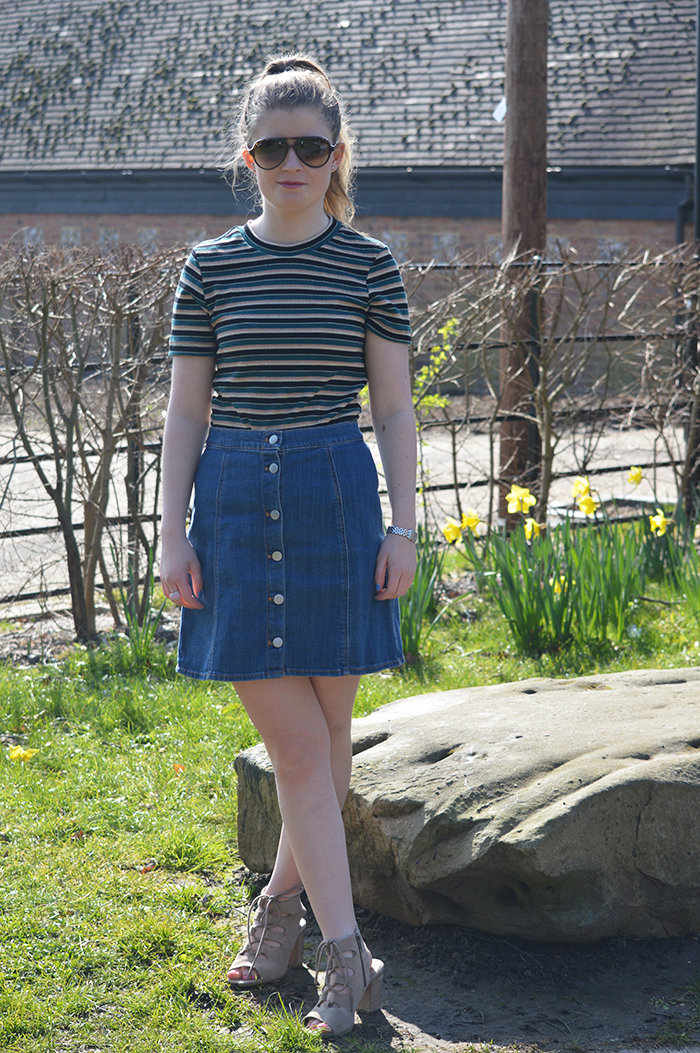 Denim skirt fashion bloggers