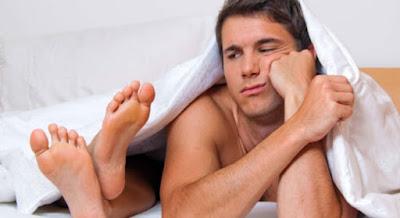 Xuất tinh ngoài khiến cho cả 2 căng thẳng sau khi đạt cực khoái.