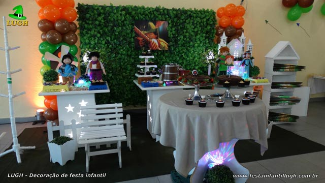 Decoração provençal simples para festa de aniversário infantil tema do Hobin Hood