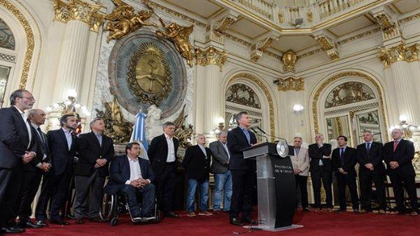 Argentina tras elecciones, escenario de mayor deuda y recortes