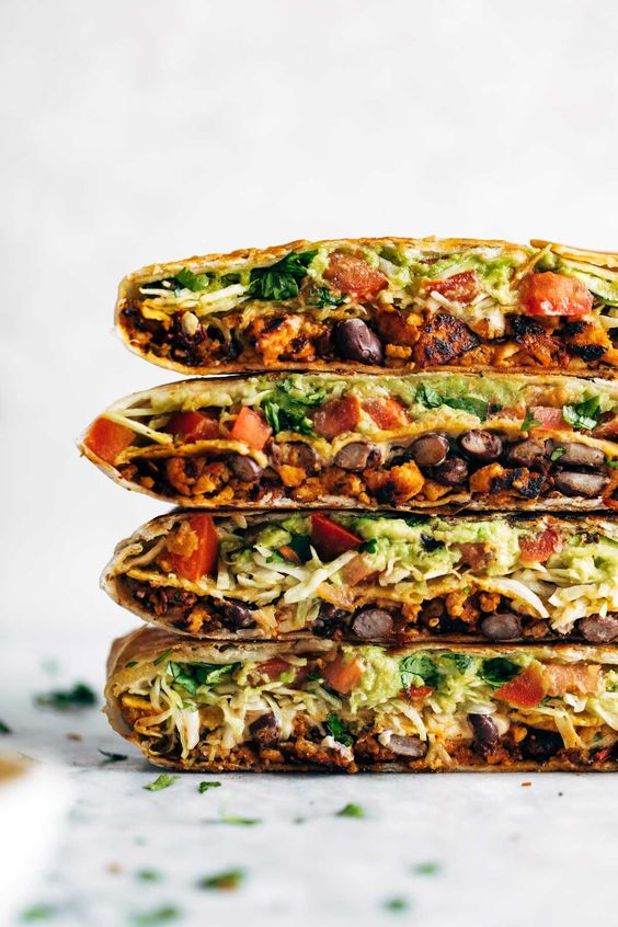 Vegan Crunchwrap Supreme #vegan #veganrecipes #veggies #crunchwrap #supreme #vegetarian #vegetarianrecipes