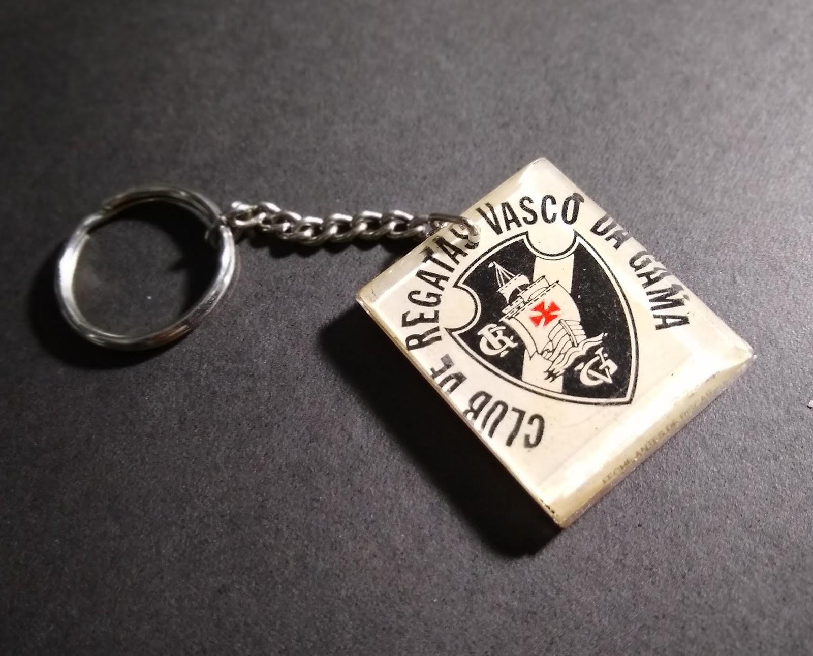 02720c7040 Chaveiro em acrílico dos anos 80 do Club de Regatas Vasco da Gama.