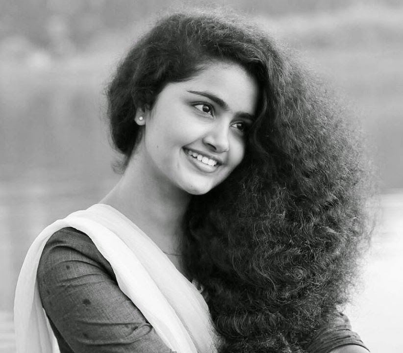 Anupama Parameswaran Malayalam Actress Photos Gallery