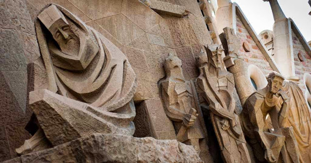 Crucifixión La Sagrada Familia