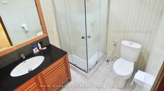 Kamar Mandi Cottage Marina Resort Belitung