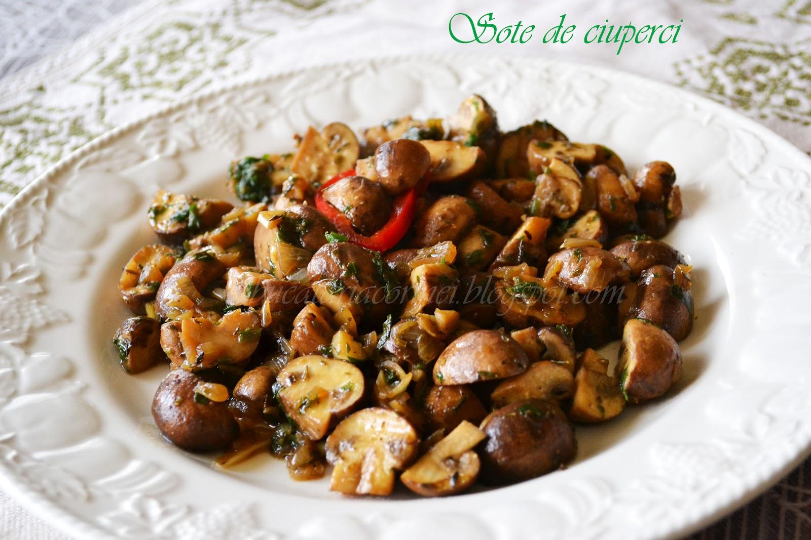 Ciuperci sote la tigaie cu ierburi aromate