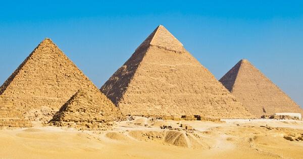 موضوع تعبير عن رحلة الى الاهرامات بالعناصر