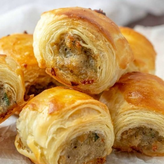 SAUSAGE ROLLS #partyfood #appetizer