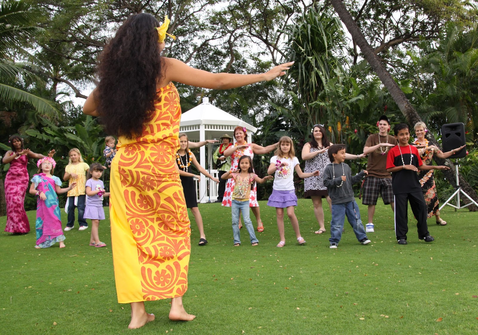 Learn to Hula Dance | Center of the Heart