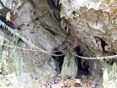 Huong Tich Cave, Perfume Pagoda, Hanoi