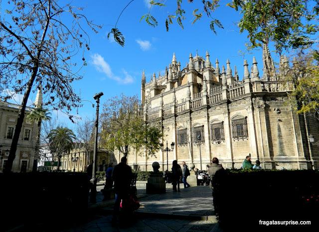 Fachada lateral da Catedral de Sevilha