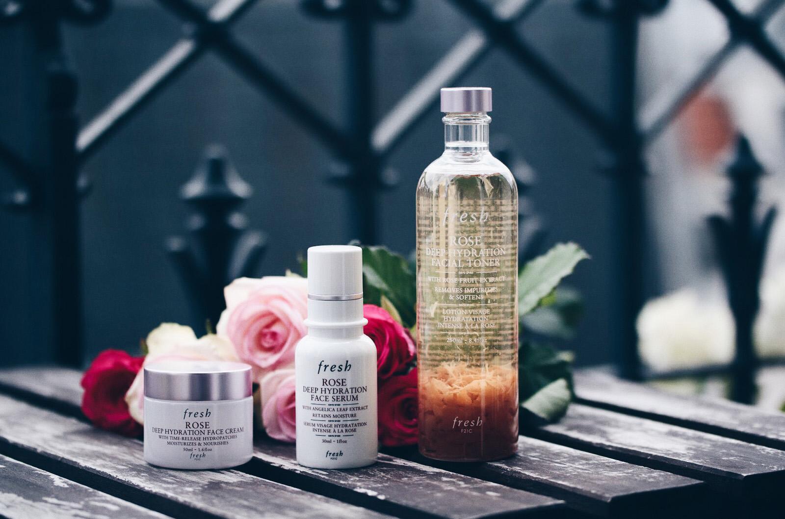fresh soins visage à la rose crème hydratante sérum hydratant deep hydrating toner avis test