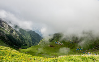 Srikhand Mahadev Yatra - Beautiful view from Parvati Bagh - Bhim Dwari is visible from here Kali Ghati and Kunsa are hidden behind the clouds