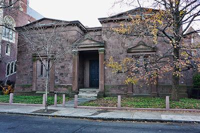 La Tumba de Yale.