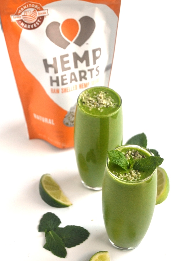 Green Mojito Smoothies are the most refreshing smoothies you will ever have and are loaded with flavorful ingredients including pineapple, fresh mint, lime and fresh ginger! www.nutritionistreviews.com
