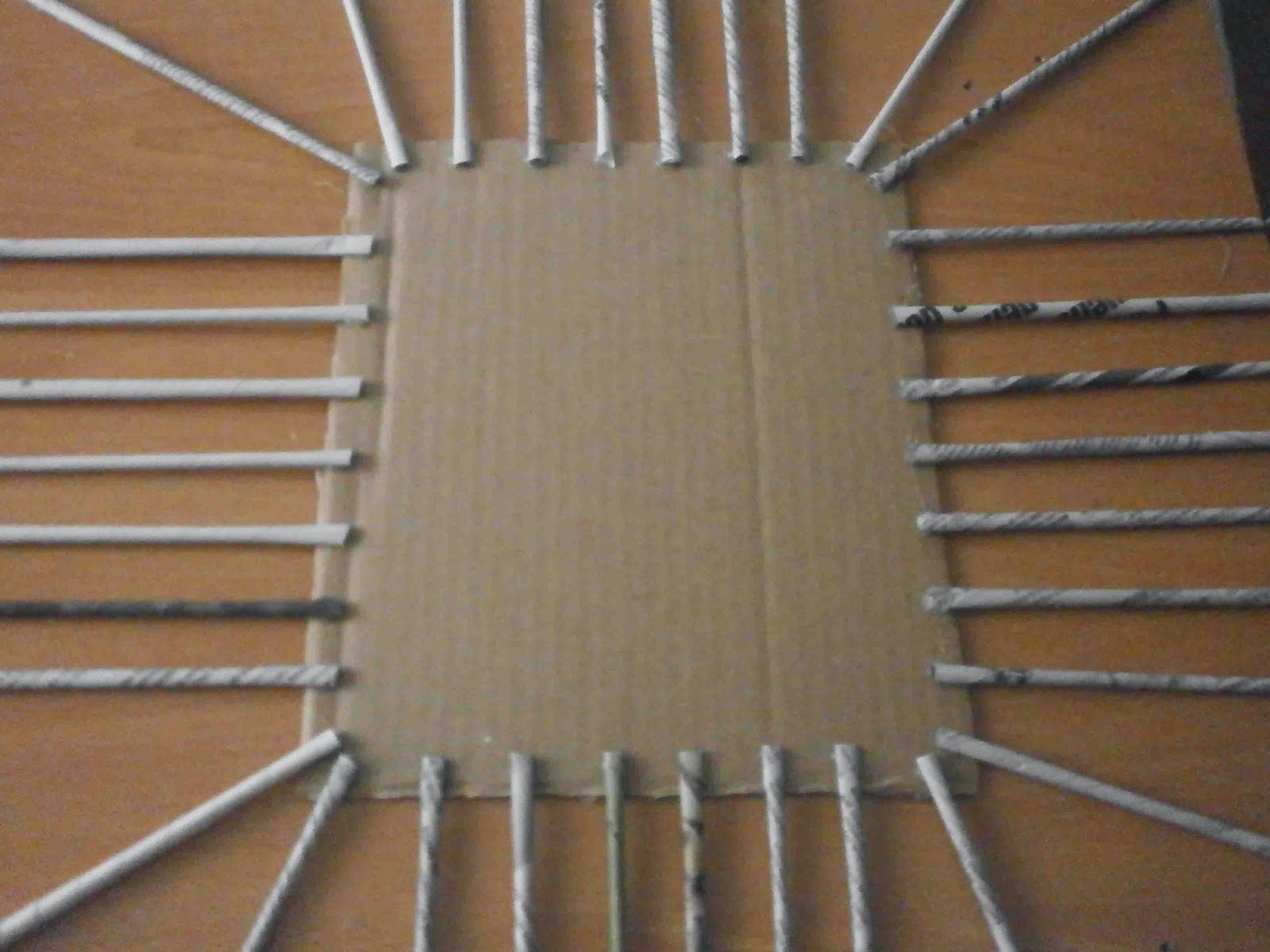 Manualidades herme diy como hacer una cesta de papel de - Cestas de papel de periodico paso a paso ...