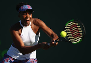 Venus Williams rallies to advance at Miami Open