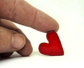 fèves en forme de coeur rouge pour galette des rois Groupama
