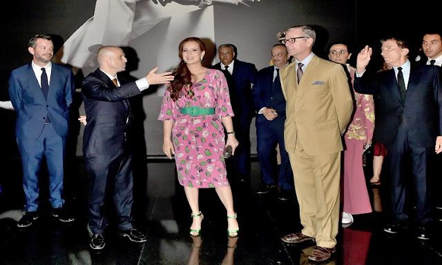Lalla Salma pojawiła się na inauguracji muzeum projektantamody Yvesa Saint Laurent w Marrakeszu w październiku 2017