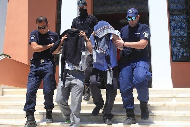 Διαβάστε να γελάστε!!! Οι τούρκοι  του πραξικοπήματος, διώκονται, λέει, στην Ελλάδα, γιατί νομίζετε;