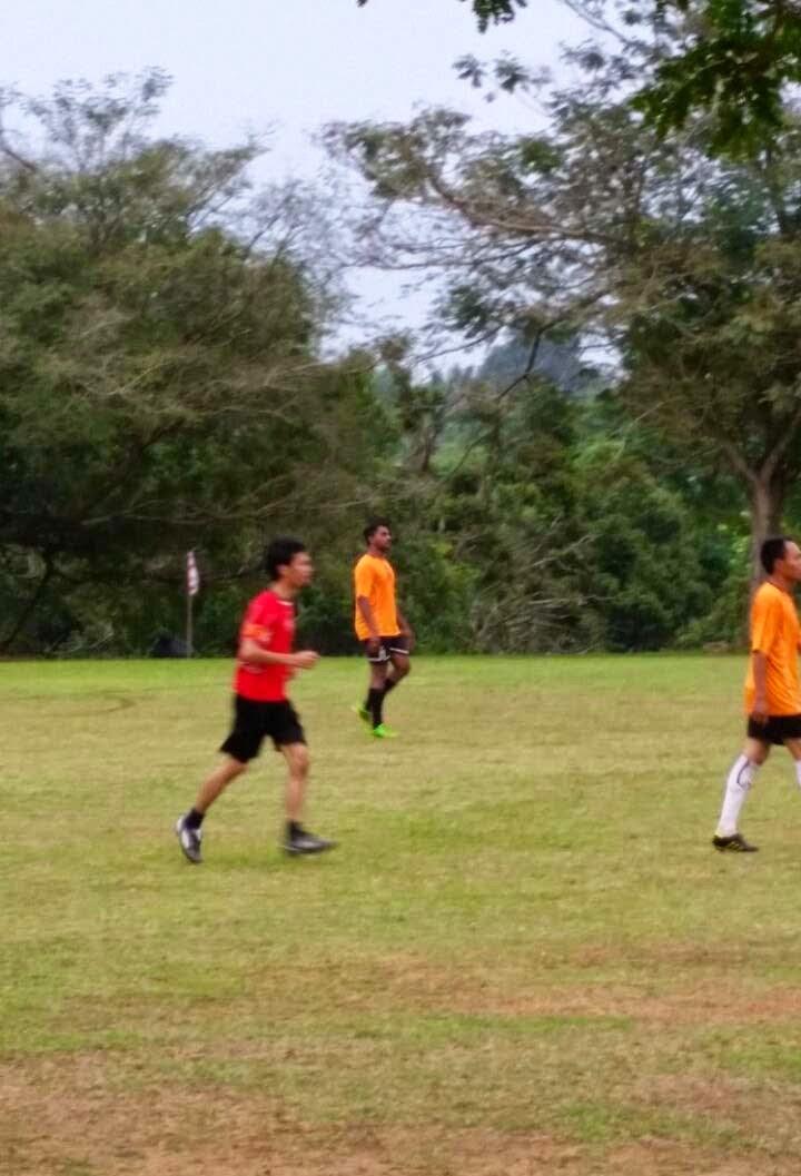 Kalah Perlawanan Bola Sepak Persahabatan