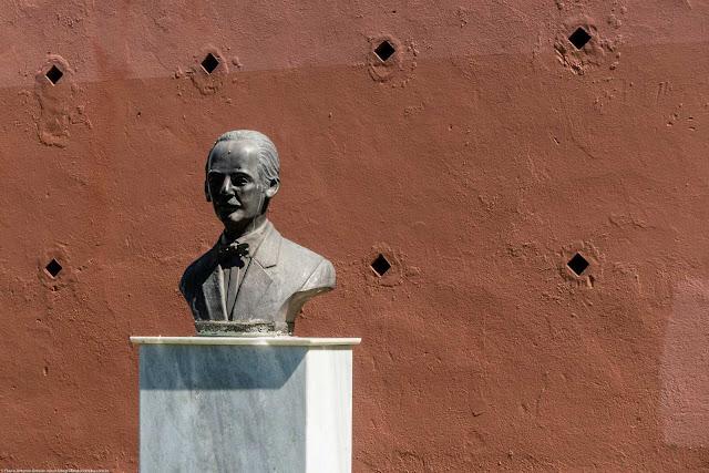 Busto de Gibran Khalil Gibran