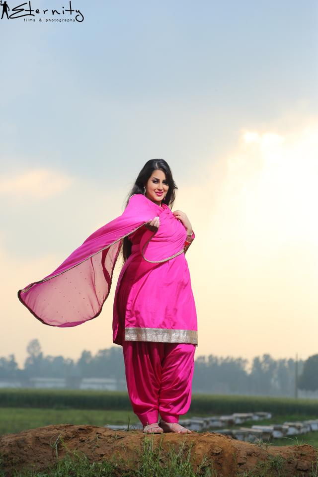 amber hindu single women If you are a middle-aged woman looking to  daniel met amber at one of  sikh or a great way to meet like-minded birmingham dating leeds hindu singles.