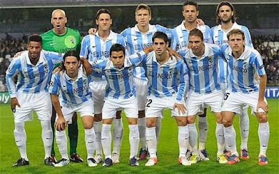 Sejarah Malaga Club      Málaga Club de Futbol adalah klub sepakbola Spanyol yang bermarkas di daerah Málaga, Andalusia. Tanggal 25 Mei 1948 klub Málaga mendirikan klub cadangan yakni klub CD Santo Tomás yang kemudian berganti nama menjadi klub Atlético Malagueño. Musim 1959/1960, Malaga dan CA Malagueño bermain bersama di kompetisi tingkat ketiga Spanyol. Karena hal tersebut, kedua klub akhirnya memisahkan diri dan terdaftar sebagai klub independen. Tahun 1992 CD Málaga akhirnya dibubarkan karena kesulitan keuangan sementara klub CA Malagueño masih terus bekarir di kompetisi Liga Spanyol. Musim 1992/1993 CA Malagueño bermain di Divisi Tercera Grup 9 yang di akhir musim berhasil promosi ke Segunda División B. Namun musim berikutnya CA Malagueño terdegradasi dan akhirnya klub tersebut juga menghadapi kesulitan keuangan seperti pendahulunya klub Malaga.  Tanggal 29 Juni 1994 CA Malagueño berganti nama menjadi Málaga Club de Futbol SAD atau yang dikenal sekarang ini dengan Malaga CF. Meskipun Malaga tidak pernah bermain di Liga Champions, karirnya sudah cukup terbilang sukses di era tahun 2000-an di bawah kepemimpinan Peiró Joaquín. Malaga membuat penampilan terbaiknya di kompetisi Eropa dengan berhasil meraih Piala Intertoto tahun 2002 dan musim 2002/2003 Malaga berhasil melaju sampai ke baba